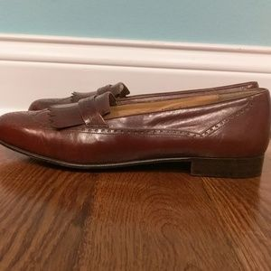 A leather dress shoe